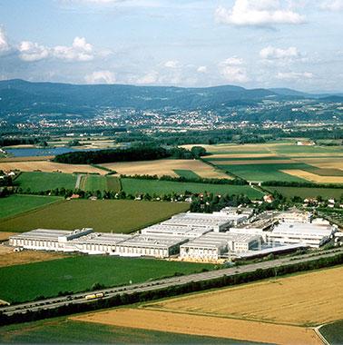 Historische Luftaufnahme des Kermi-Hauptsitzes in Plattling (1993)