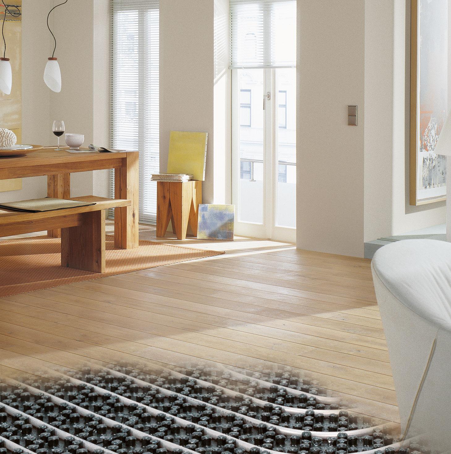 Kermi x-net Fußbodenheizungssystem in Esszimmer