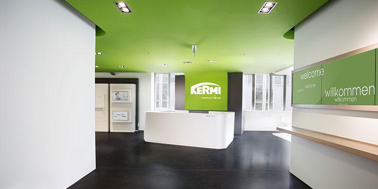 Eingangsbereich des Kermi Campus am Hauptsitz Plattling