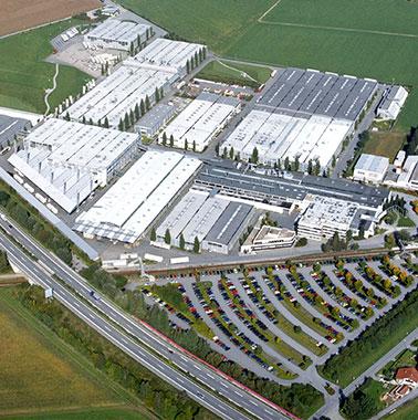 Luftaufnahme des Kermi Hauptsitzes und Produktion in Plattling (2001)