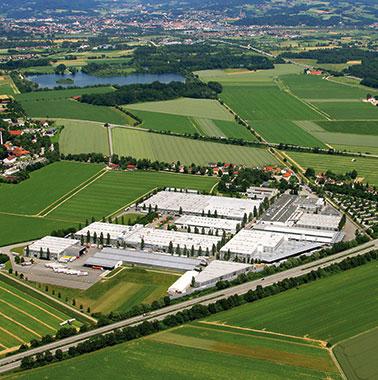 Luftaufnahme des Kermi Hauptsitzes und Produktion in Plattling (2010)