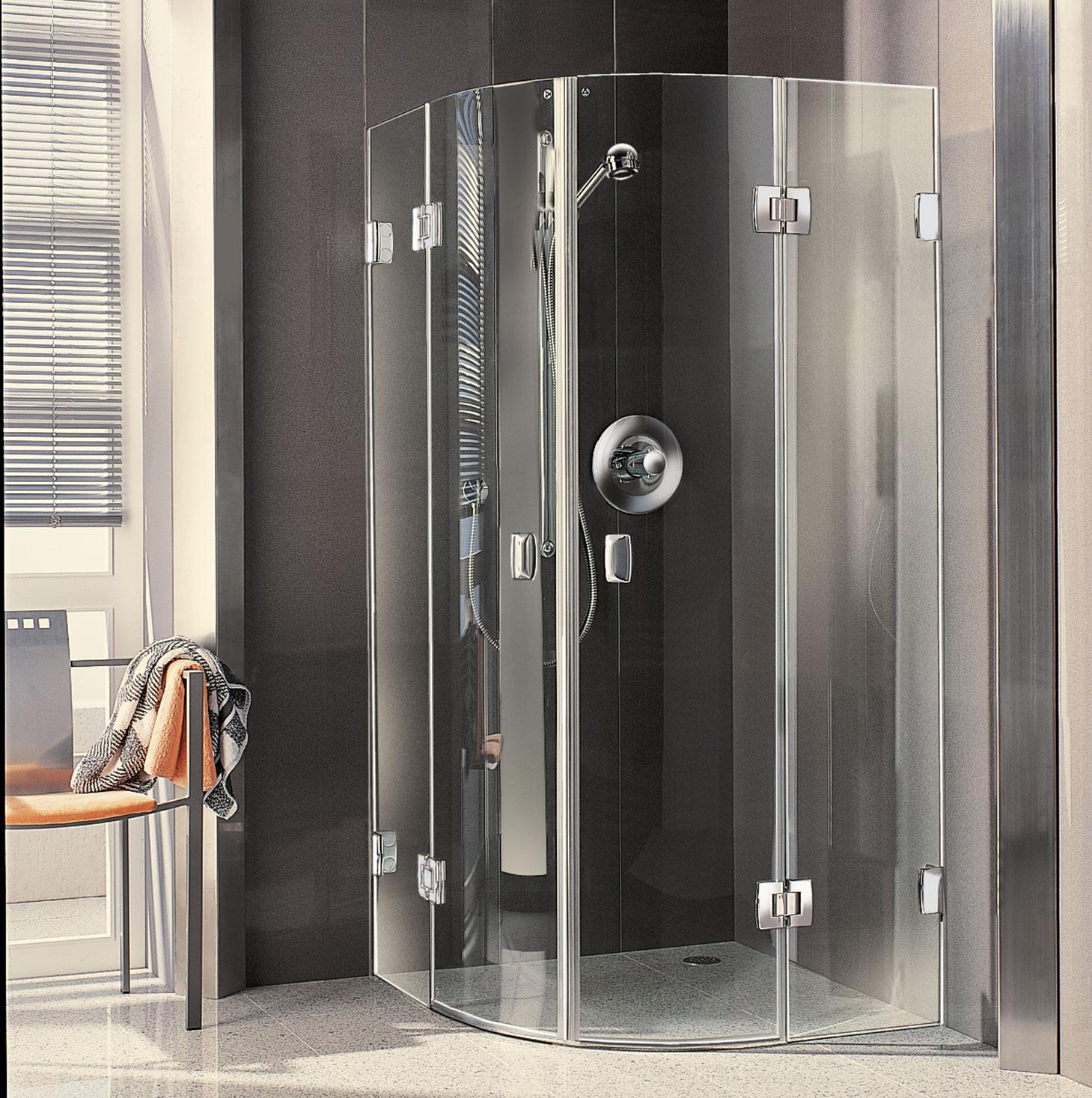 Eine moderne Kermi Duschkabine aus dem Ganzglas-Programm (2000)