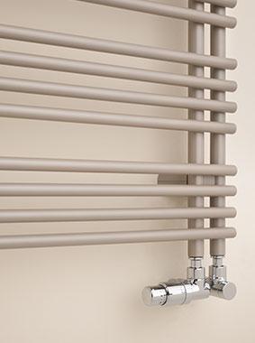 Detailansicht seitlicher Anschluss Kermi Diveo Design- und Badheizkörper